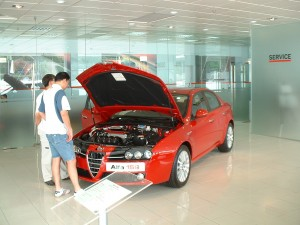 Alfa_Romeo_159_at_the_dealer